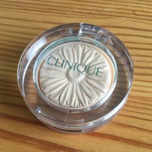 Clinique lid pop in 01 vanilla pop